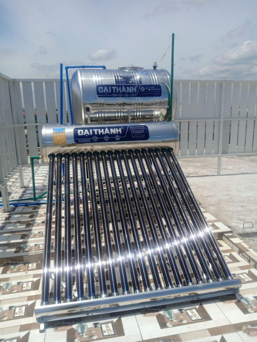 Sử dụng máy nước nóng năng lượng mặt trời như một giải pháp hiệu quả và an toàn.