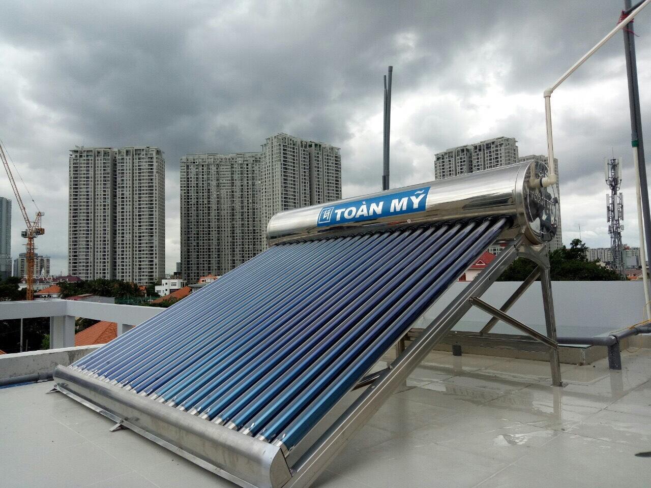 Hình ảnh máy nước nóng năng lượng mặt trời Toàn Mỹ